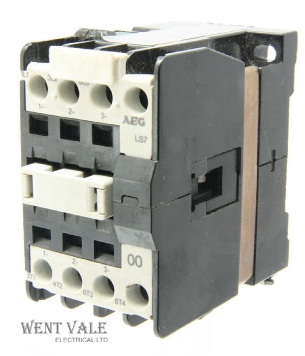 AEG LS7-00 910-302-547-81 - 25a 00 Triple Pole Contactor 240vac Coil Un-used